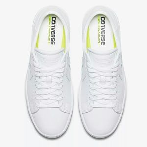 5dbec64a467 Converse Shoes - NWT Converse Leather White Low Top Nike Lunarlon